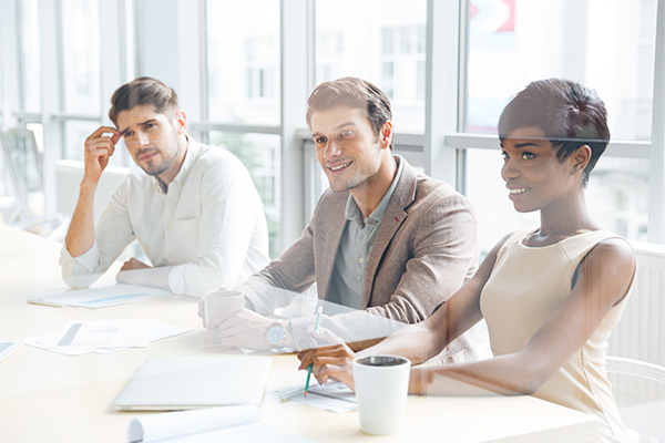 _0005_business-people-sitting-on-training-and-making-not-PQDK7SC